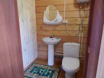 Удобства, туалет, душ на территории.